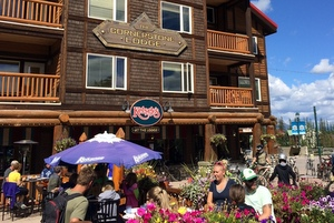 CornerstoneLodge-Kelseys-Restaurant-Fernie